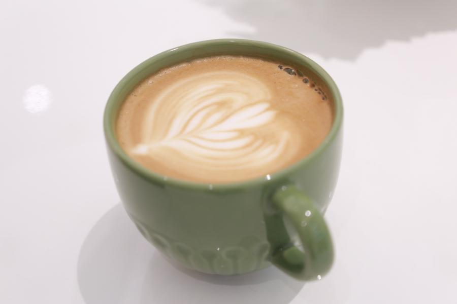 雀巢星巴克全球咖啡联盟拓展在华业务 启迪环境前三季度净利预亏40亿元